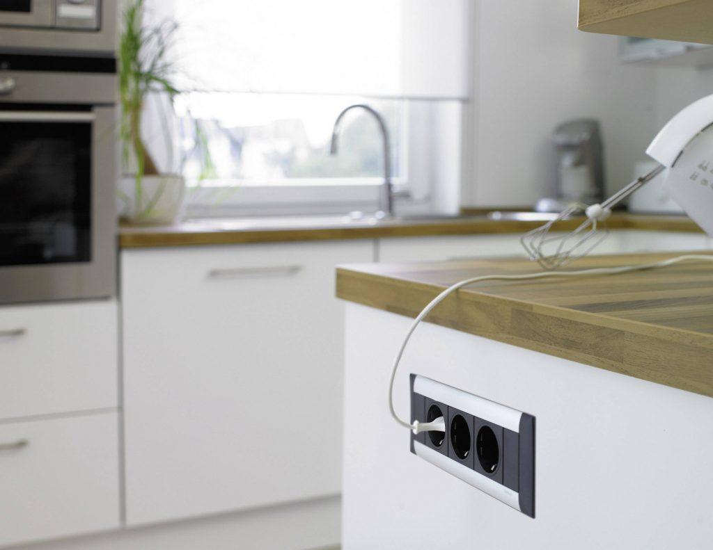 вас накладные розетки на кухне фото удобства посетителей